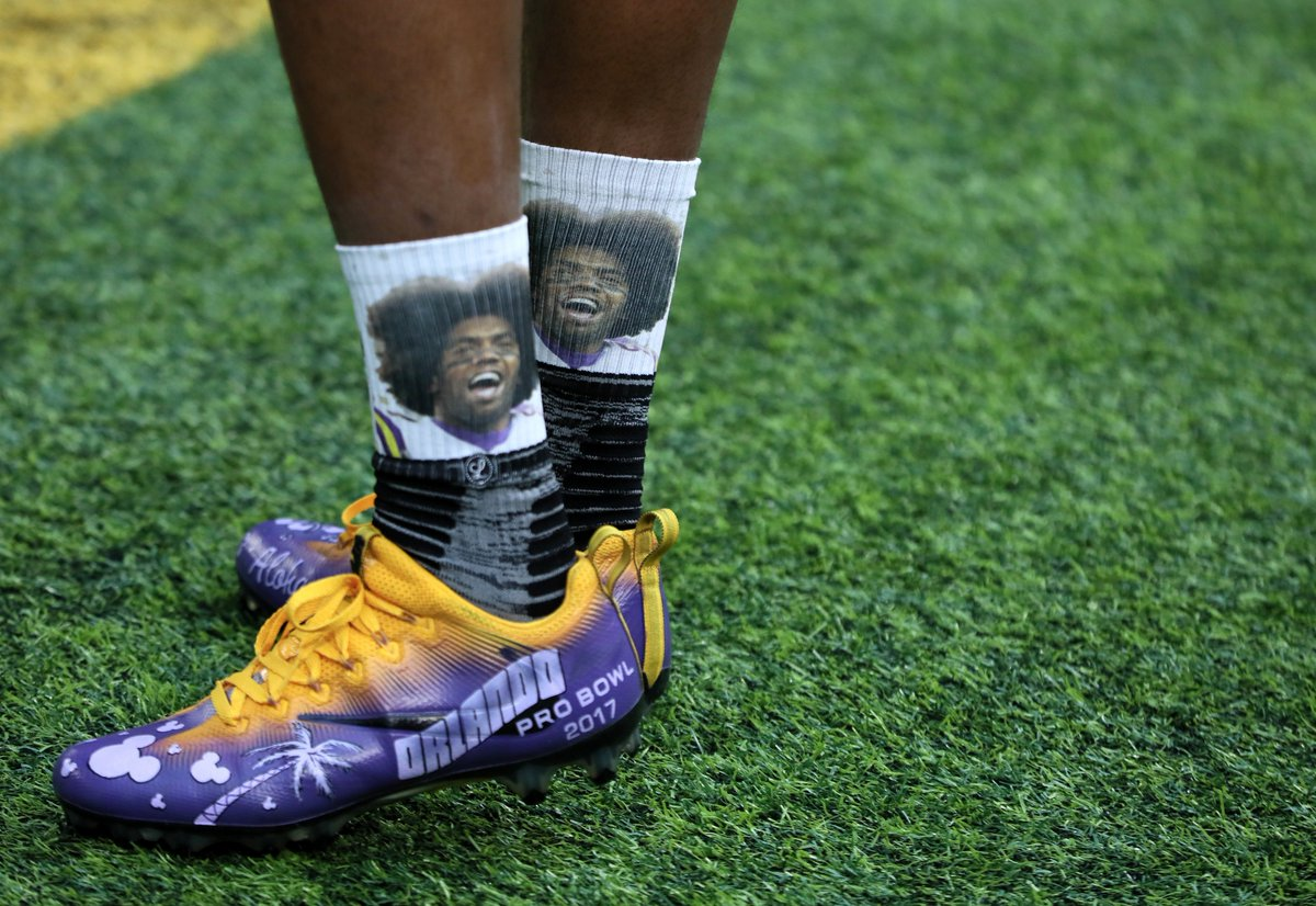 b60f04456901 cordarrelle patterson wears special pro bowl cleats and socks featuring  randymoss