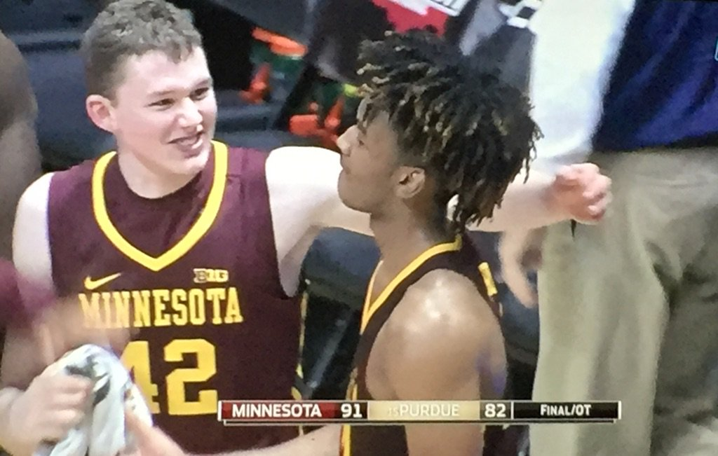 The #Gophers take down #15 Purdue in West Layfayette!!!  RT if you believe in this basketball team. #GoGophers https://t.co/GPudxKsdIK