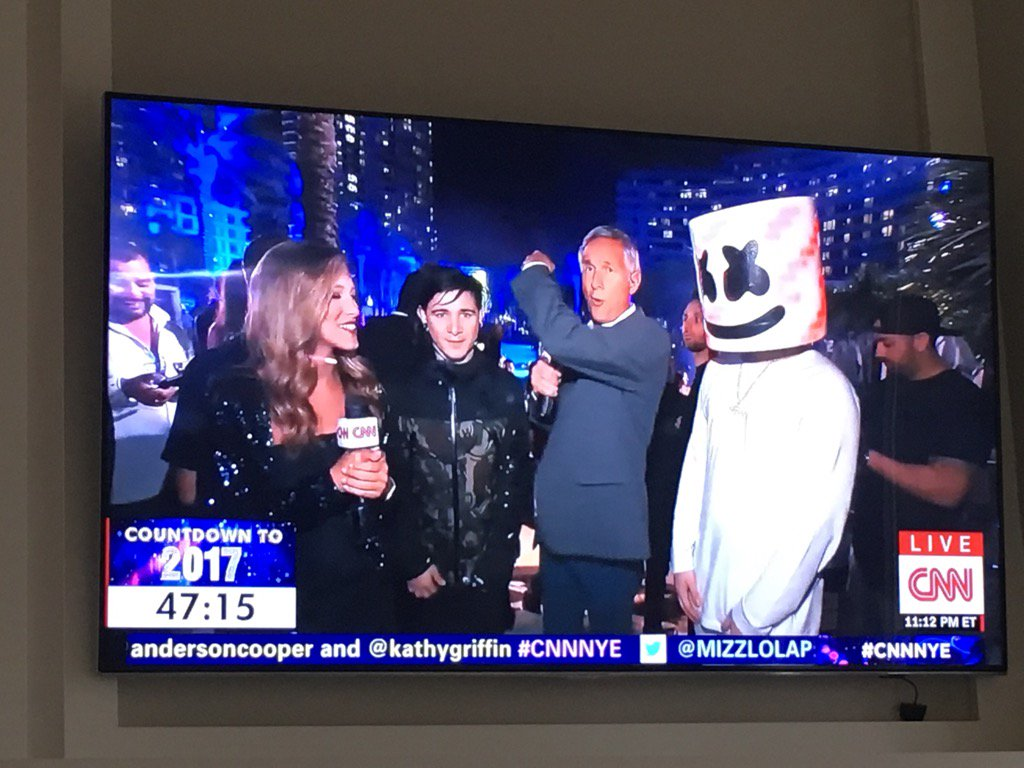 My daughter @LindsayTuchman and I interviewing DJ's @Skrillex and @marshmellomusic. Great musicians and people. https://t.co/ZLJ8JVGZgB