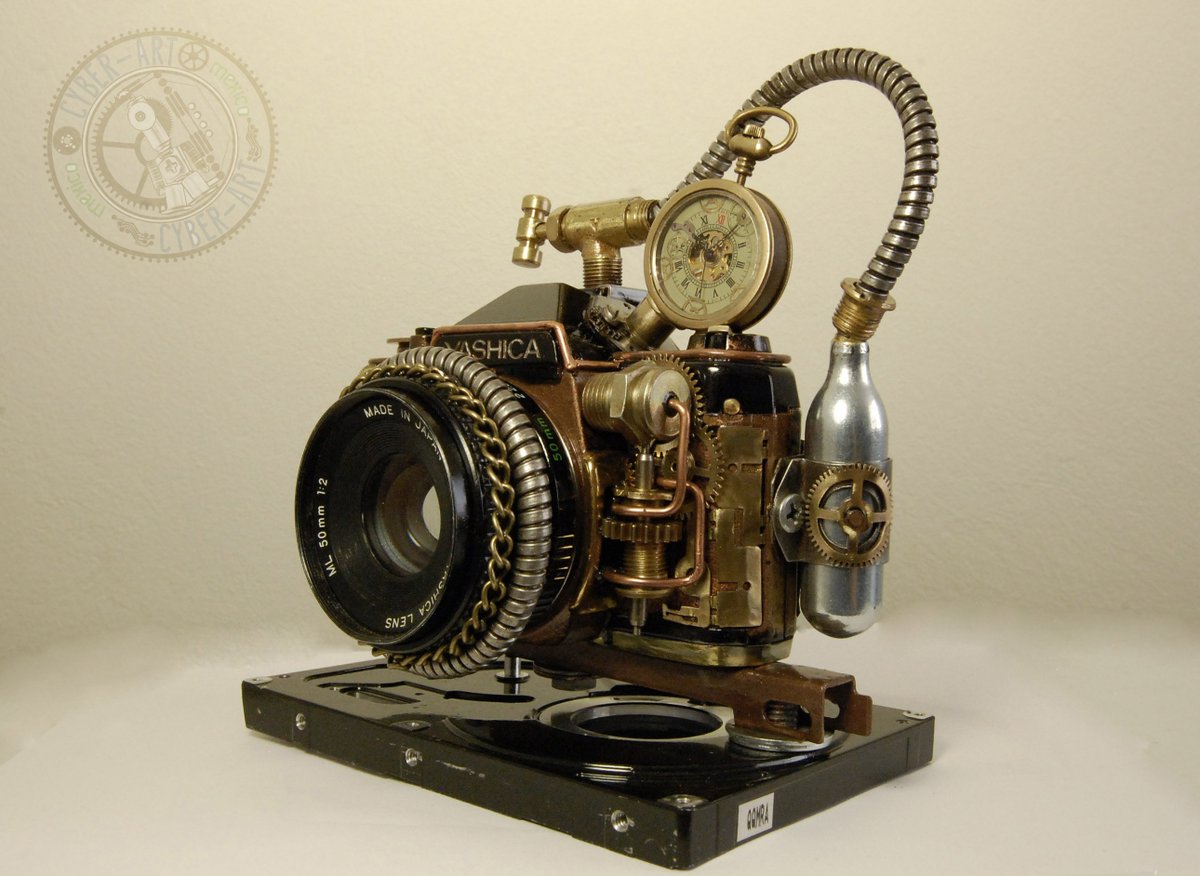#Steampunk Awesome of the Day: Old Camera Customized with Cogs, Tiny Can & Chain by @wendydearum #SamaCuriosities