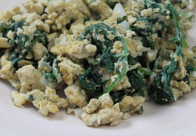 Fitness Friday: Lean and Green Kale Scrambled Eggs — MomStart