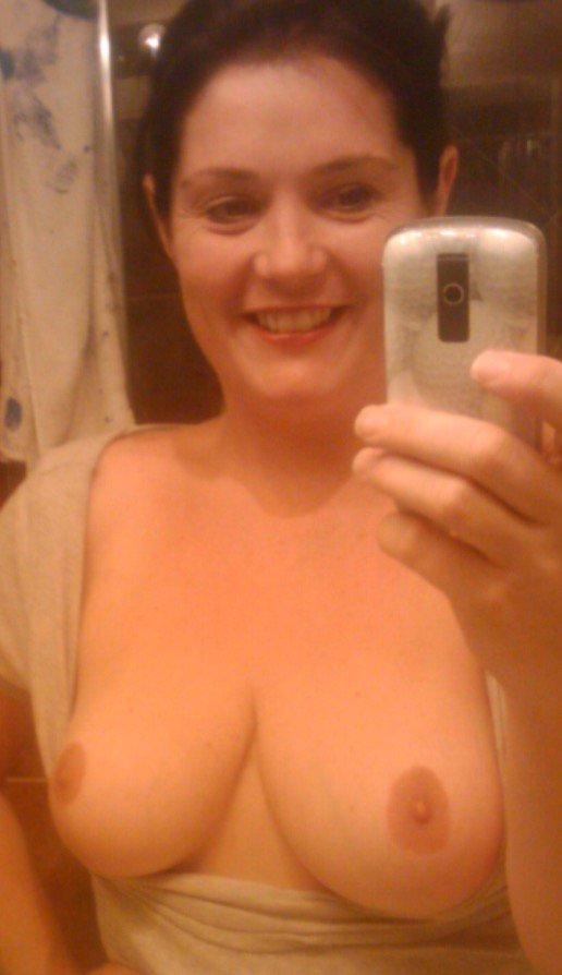 Nude Selfie 10075