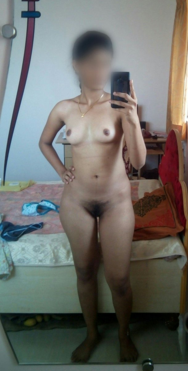 Nude Selfie 10105