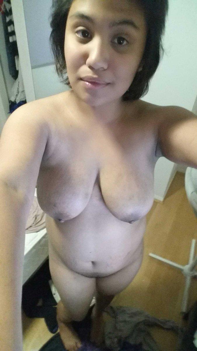 Nude Selfie 10098