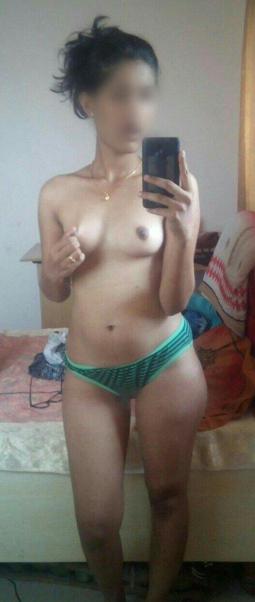 Nude Selfie 10103