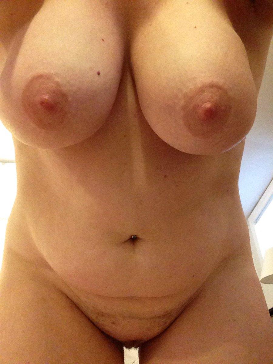 Nude Selfie 10112
