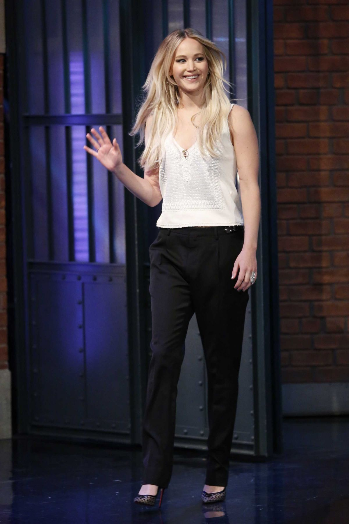 Jennifer Lawrence Hot Photos in Simple Outfit