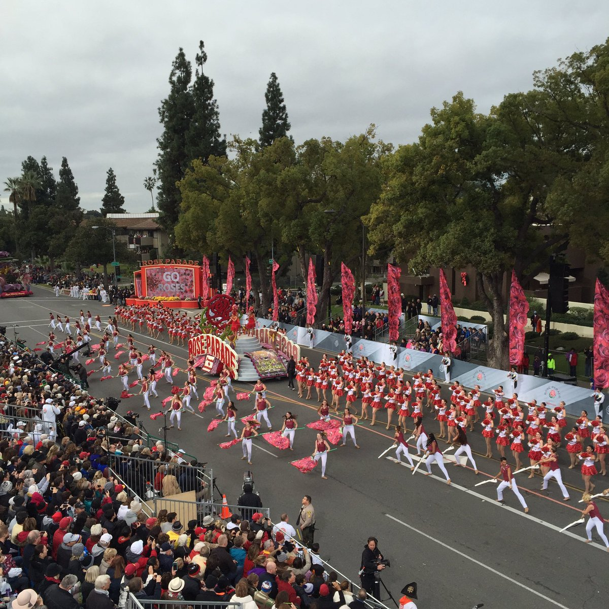 Welcome to the 128th #RoseParade presented by @Honda!!! #EchoesofSuccess https://t.co/HqEgCJJ8KS