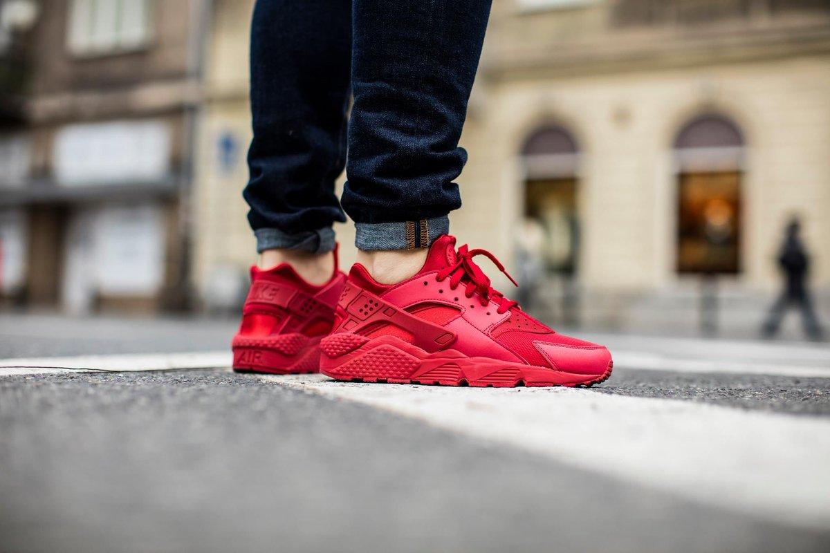 360a3514b9ce Sneaker Shouts™ on Twitter