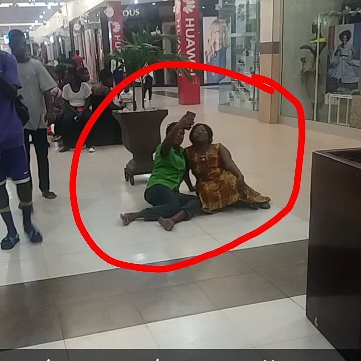 May we never see this again at Accra mall in 2017 https://t.co/CUeZVPW4AK