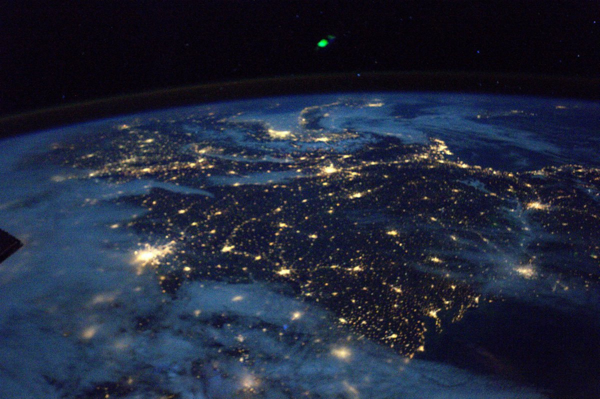 The southern half of #France seen from the west. #Bordeaux to #Marseilles. Note the halo of the atmosphere at night.