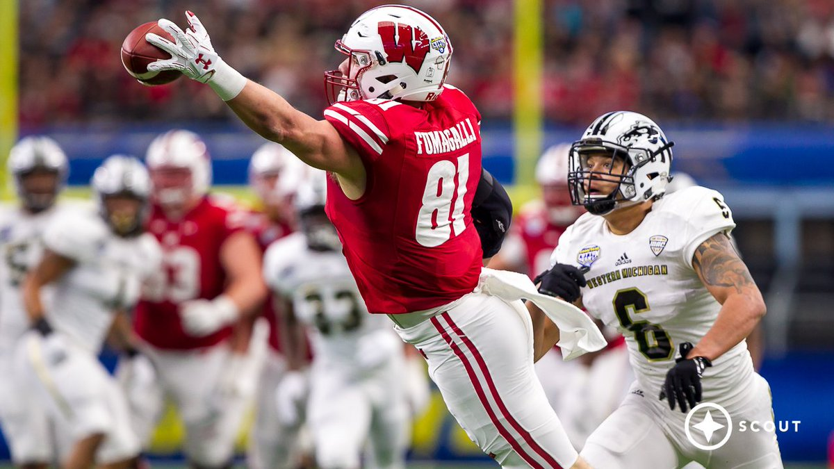 TIL Wisconsin's star TE, Troy Fumagalli, only has 9 fingers. He's missing his left index finger.: CFB