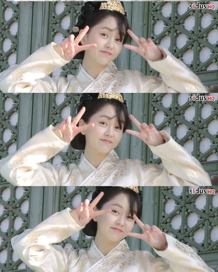 @hellokimsohyun  BTS  for drama 'Goblin' | © SidusHQ ~ Cuteness overload - - #KimSoHyun #Sohyun #김소현  #도깨비 #KimSun #김선 #왕비 pic.twitter.com/8ke29NM37R