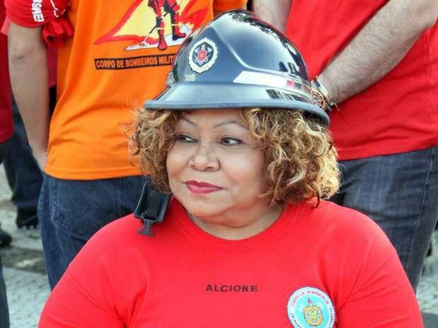 Sorte do Maranhão poder contar com essa agente no corpo de bombeiros https://t.co/MaxEdOS9LW