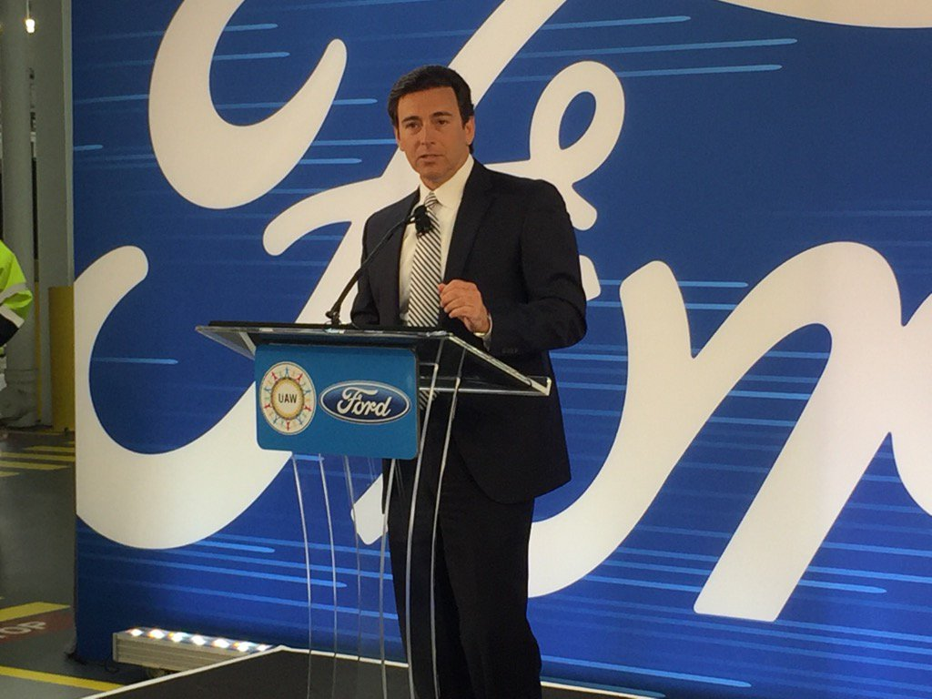 BREAKING: @ford CEO Mark Fields announces company is canceling planned $1.6 billion plant in Mexico, to invest in US https://t.co/EgaEAyfBSl