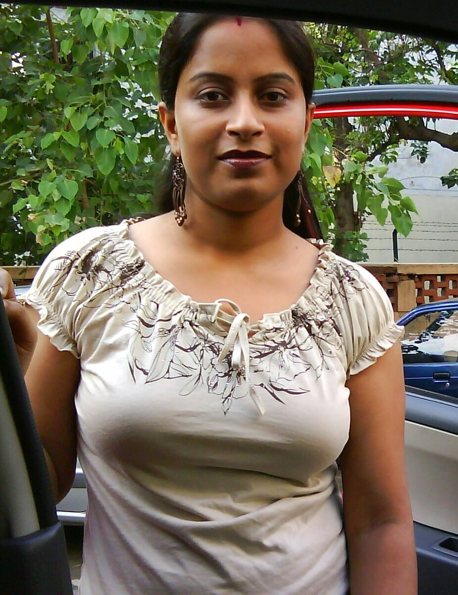 Beautiful hot Malayalam bhabhi
