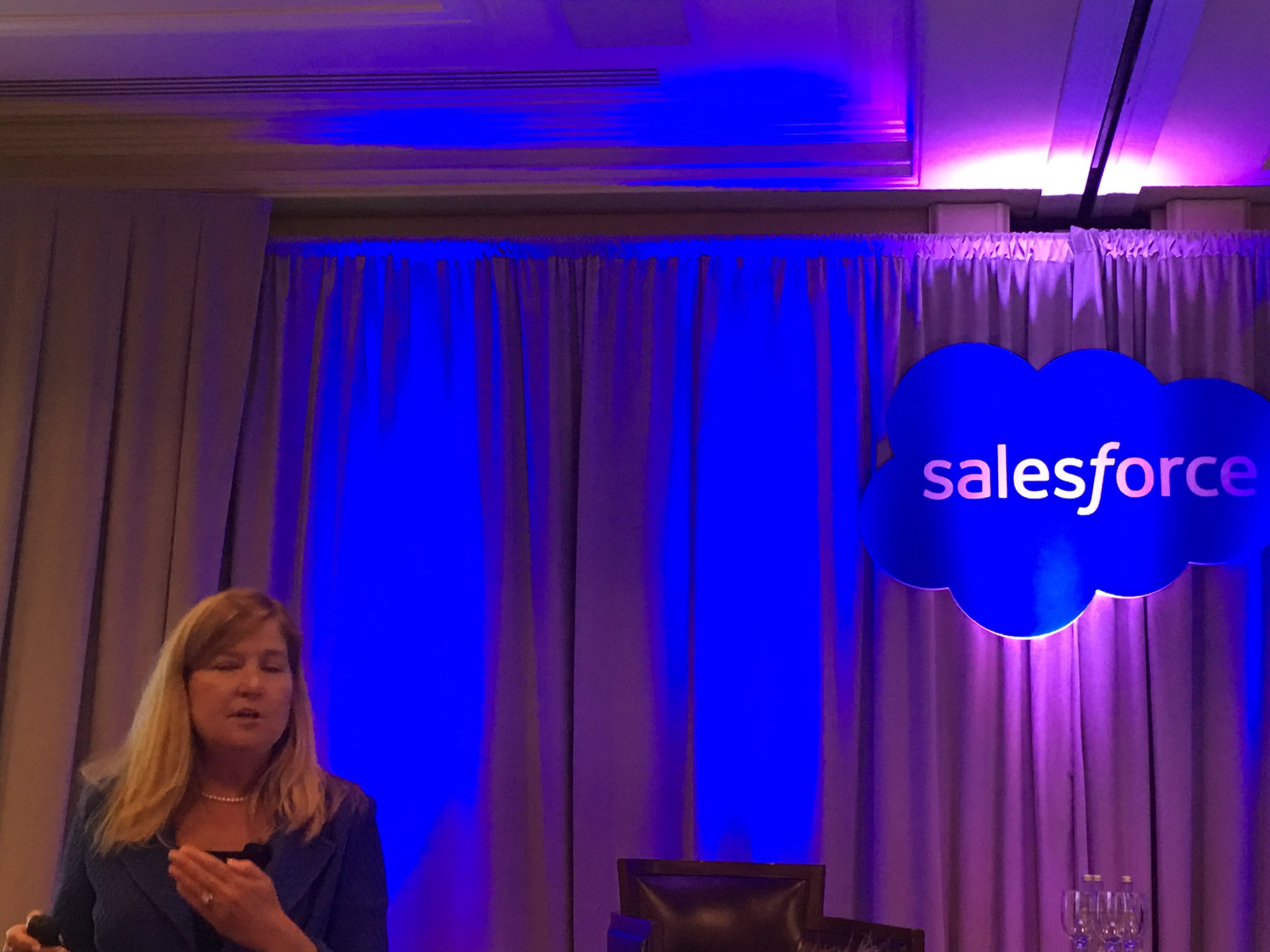 MyPOV: @AXA @SchneiderElec @EnelGroup @SparkNZ are good #DigitalTransformation examples from @polly_sumner @salesforce #salesforcear https://t.co/PH8bajLcXh