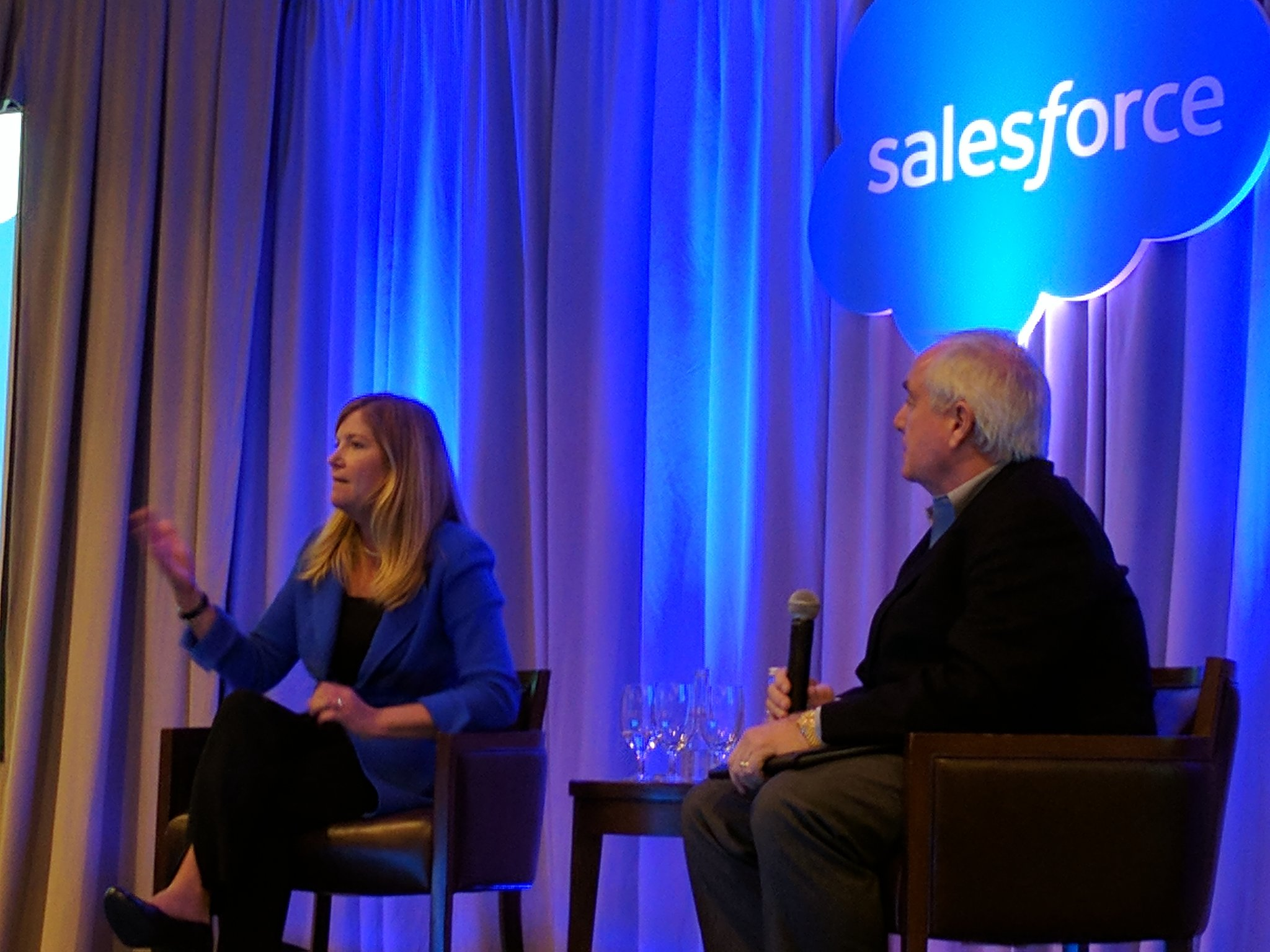 Asked @polly_sumner on  best practice innovation vs packaged software conflict -  apps will be move granular & interactive #SalesforceAR https://t.co/jwJy2Y8o2i