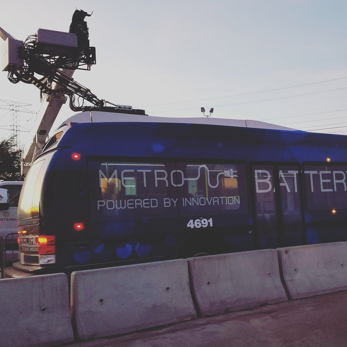 Metro Houston على تويتر Yes We Rolled Out Our New Electric Bus Last Month As Part Of A 90 Day Pilot Program Check It Https T Co Eifisdbfat R