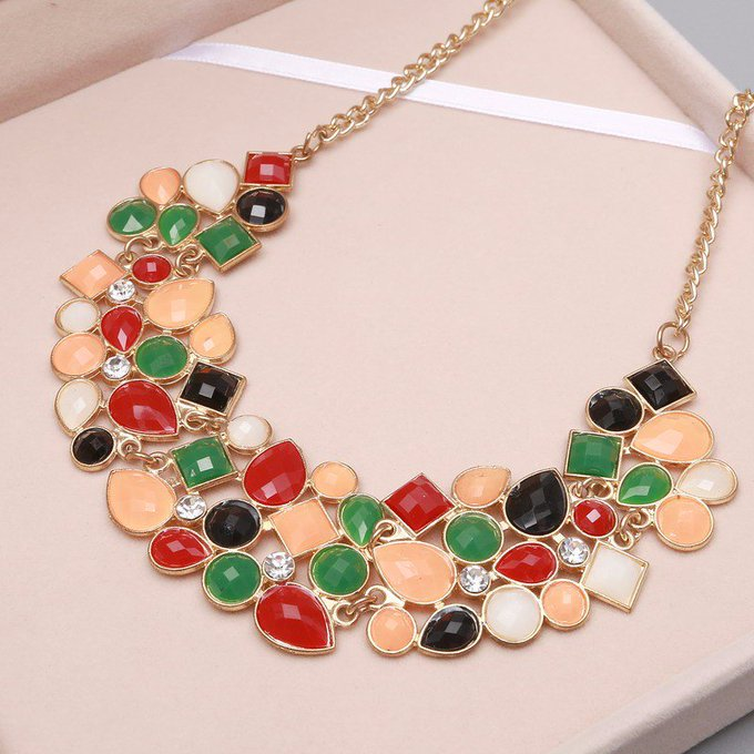 Collar Necklaces with Geometric Pattern