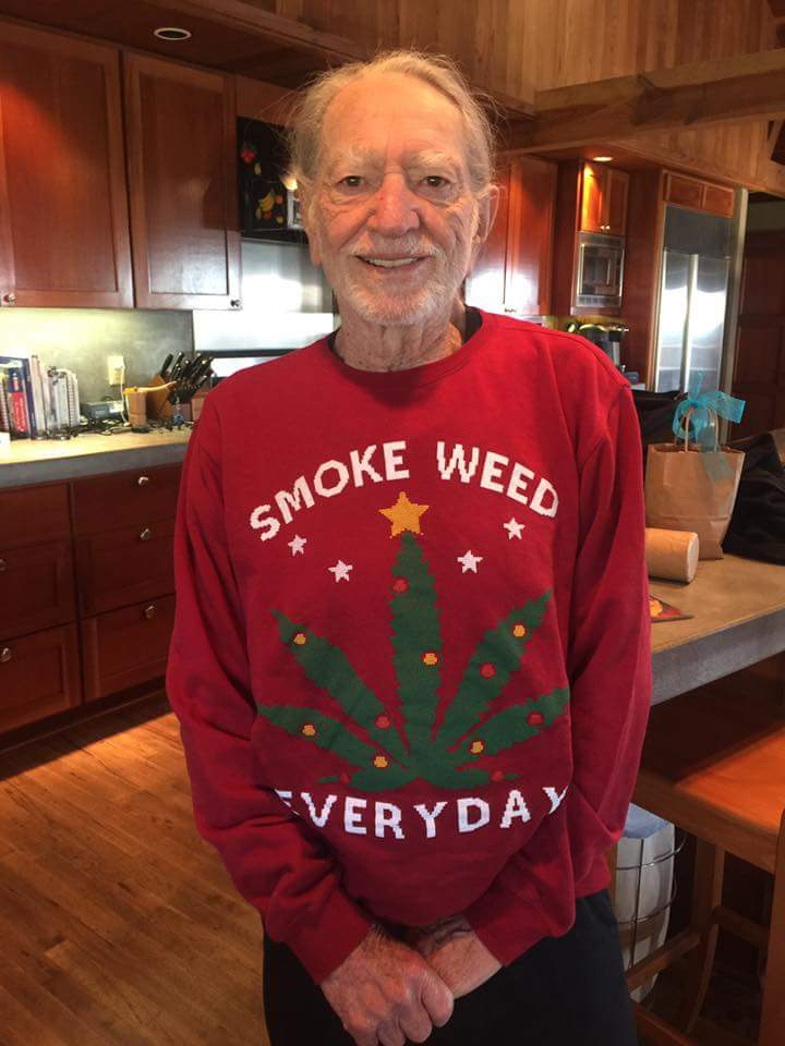 Thank you @SnoopDogg for the Christmas Sweater https://t.co/jzaw7pkQEe