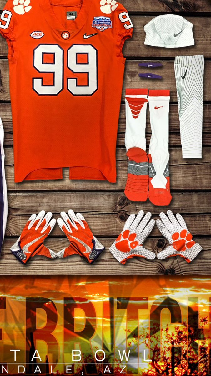 ncaa football gloves on Twitter