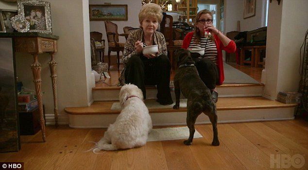 #Carrie Fisher and Debbie Reynolds bond explored in trailer for HBO documentary -   http:// theheadlines.co.uk/carrie-fisher- and-debbie-reynolds-bond-explored-in-trailer-for-hbo-documentary/ &nbsp; … <br>http://pic.twitter.com/KPq3JLVz8B