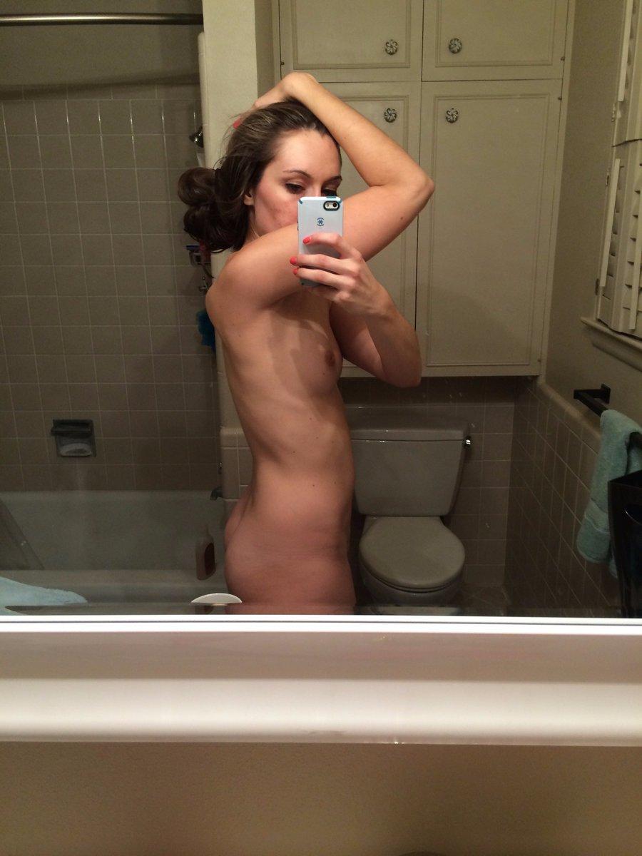 Nude Selfie 10136