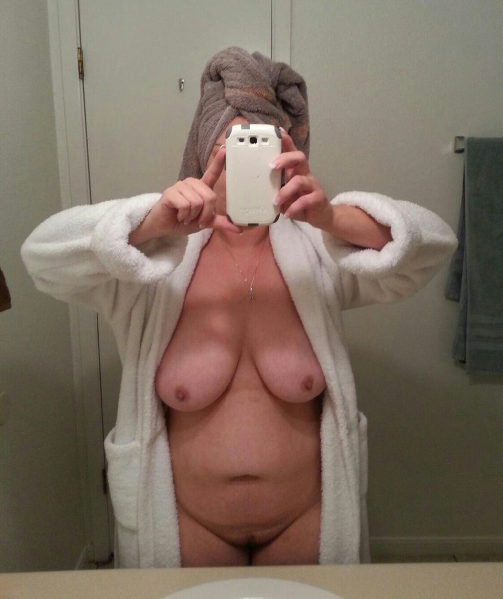 Nude Selfie 10181