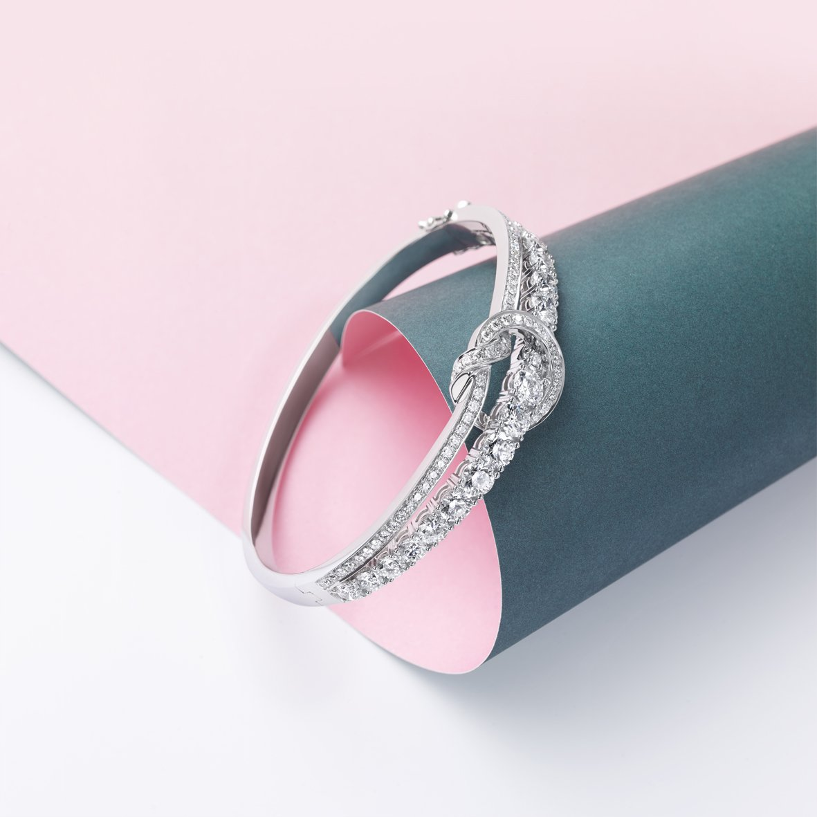 Boodles On Twitter A Sailorsknot Is An Enduring Bond Of Unparalleled Strength The Knot Bangle By Boodles Is A Timeless Expression Of Everlasting Love Https T Co T33hayzssr