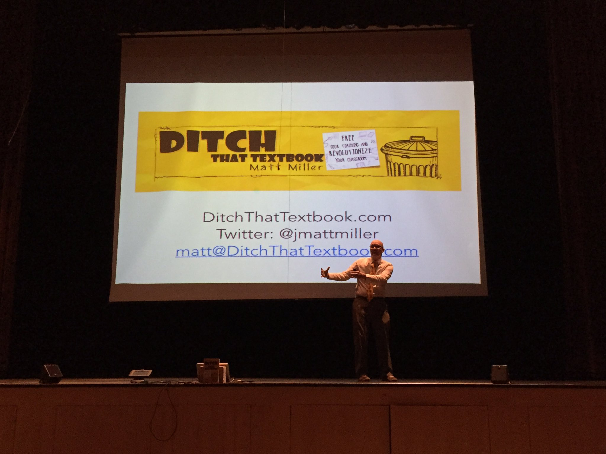 Pumped to hear @jmattmiller speak! #323learns #ditchbook https://t.co/YiNlX3wXpW