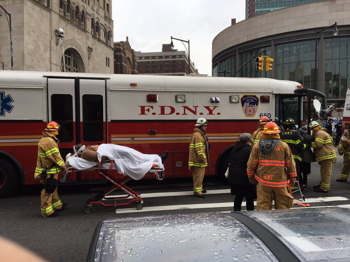 About 30 people suffer minor injuries in NYC train accident