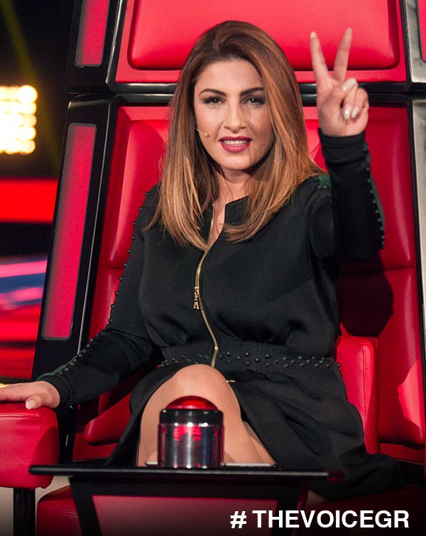 V for the Voice...  @paparizouhelena #thevoicegr https://t.co/HcwuneqW...