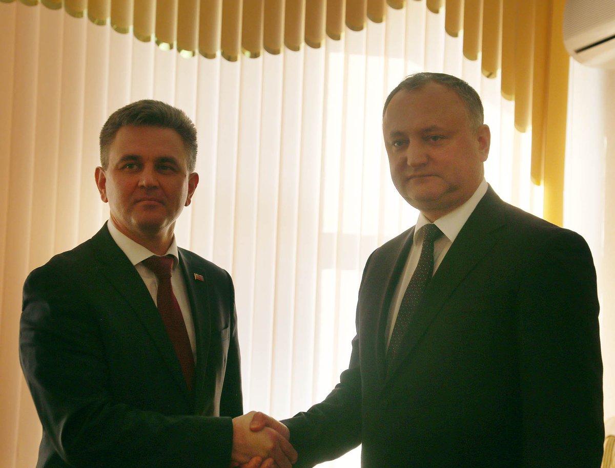 Igor Dodon met with Transnistria chief Vadim Krasnoselsky in Bender