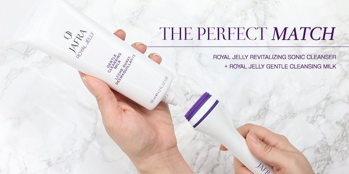 Royal Jelly Revitalizing Sonic Cleanser