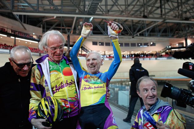 105-year-old sets new Hour Record with 22.547km ride | https://t.co/k4MX8oVn3E https://t.co/LyifrfeNNW