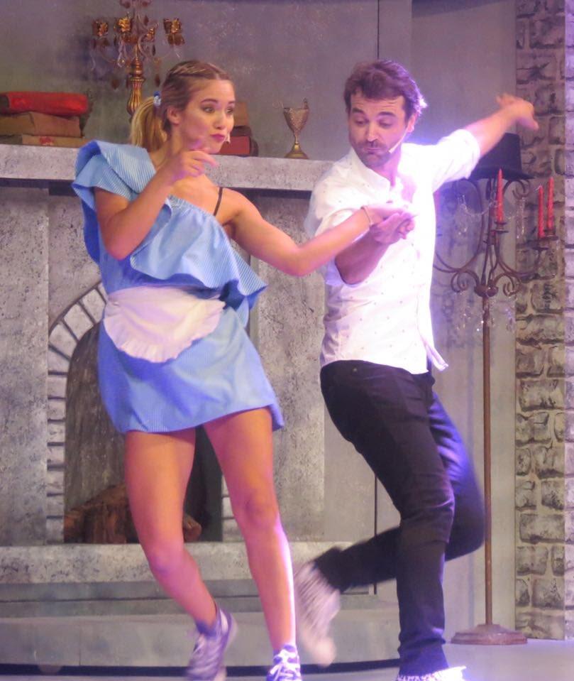 #Feliz #Actuar #Bailar #Abracadabra  #MorfarmeUnaMilaNapolitana #BueNoTeniaNadaQueVer  <br>http://pic.twitter.com/yvOQBrdEuQ