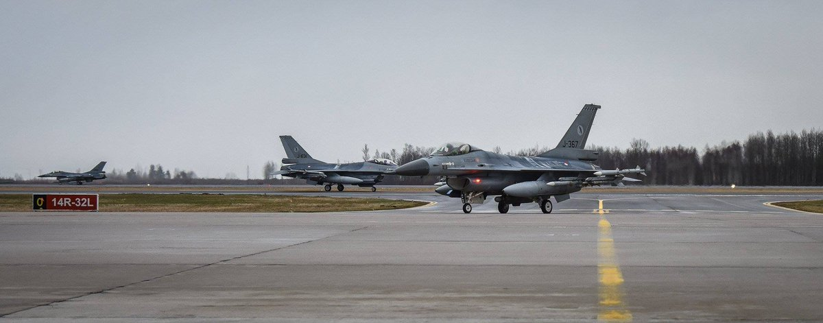 4x Royal Netherlands Air Force F-16s have landed at Šiauliai Air Base - Lithuania