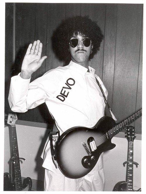 Hoy se cumplen 31 años de la partida del Maestro Phil Lynott #RIP #RockInPeace #ThinLizzy<br>http://pic.twitter.com/H0V91dUvHw