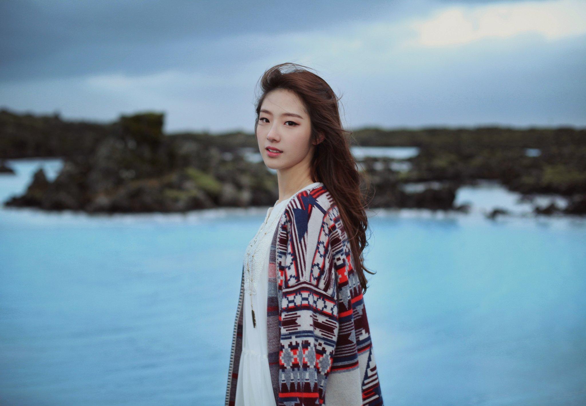 ласкает свою девушка кореянка фото юные девочки модели