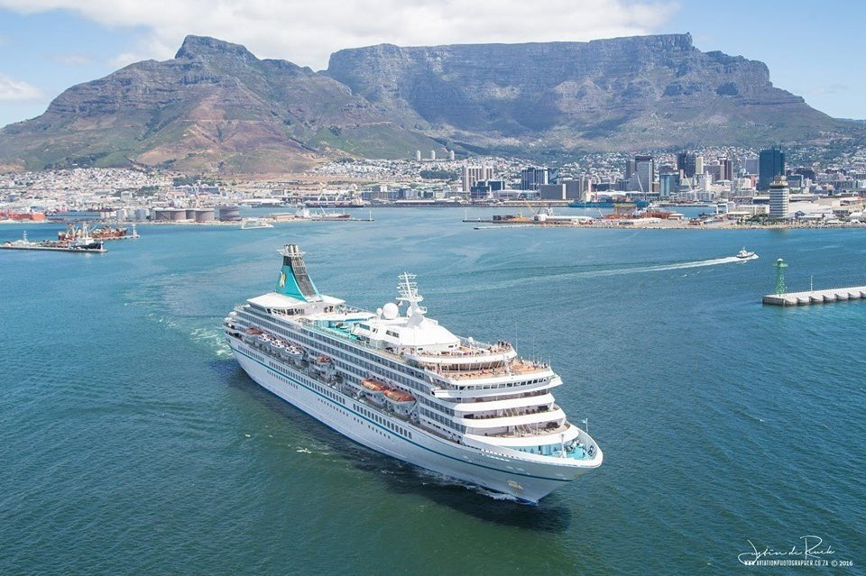 #TBT to an aerial photoshoot with @JustindeReuck; great shots of the #MSArtania departing from #CapeTown harbour. http://www.helicopterscapetown.co.za/utility-services…pic.twitter.com/13PpSyuqiY