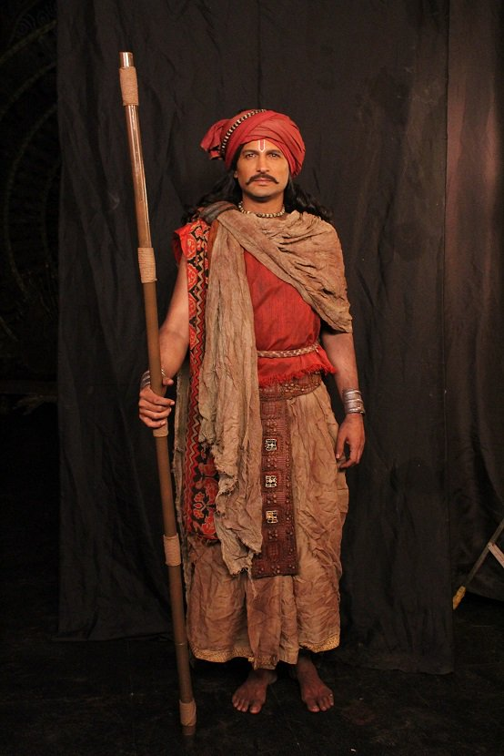 New Looks, what do you think?? #KPDShani #SwastikProductions #ColorsTv https://t.co/OyhwcKN0DY