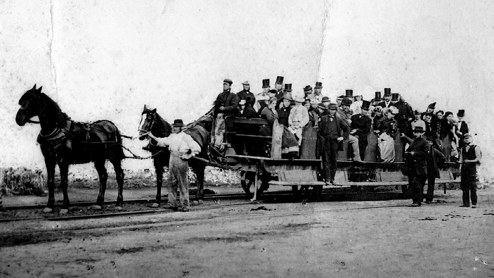 C1ZdFLfW8AE6nUi - The Swansea & Mumbles Railway
