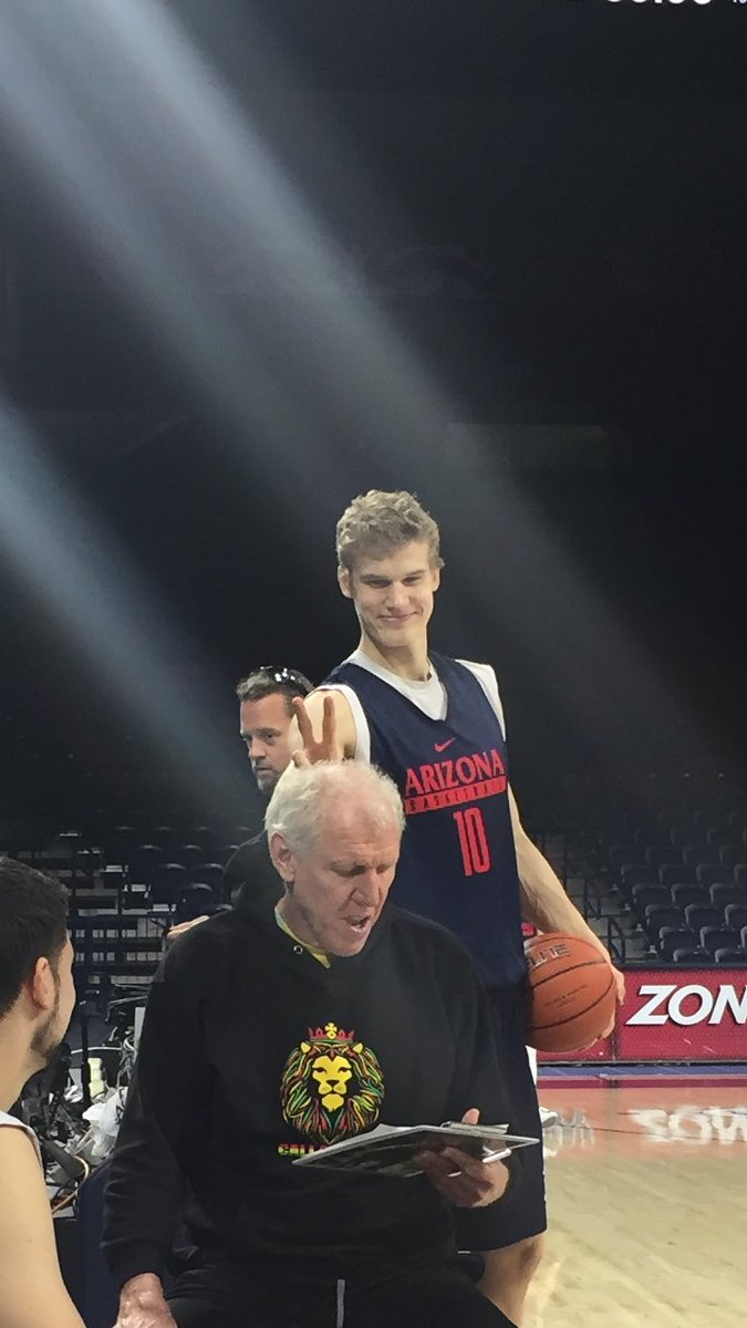 .@MarkkanenLauri is my new favorite player for this reason alone. @APlayersProgram https://t.co/080eZR6AsX