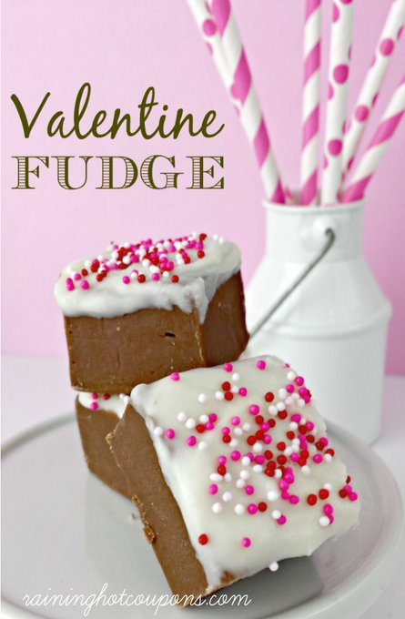 Try to make this Valentine\'s Day Fudge