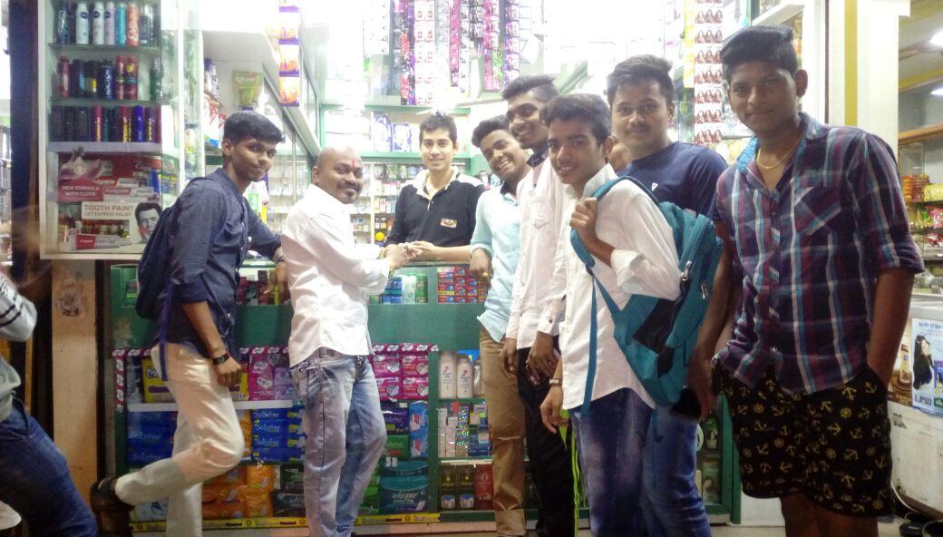#bjym #ishanya mumbai  vikhroli bjym volunteers shops &amp; explained abt use of #bhimapp under the leadership of @KalantreSandip<br>http://pic.twitter.com/05dGGxrTbV
