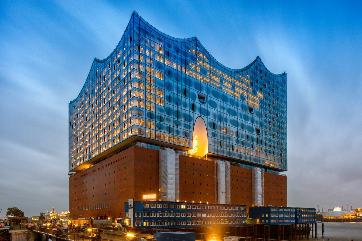 First look: Spectacular new symphony hall opens in Hamburg https://t.c...