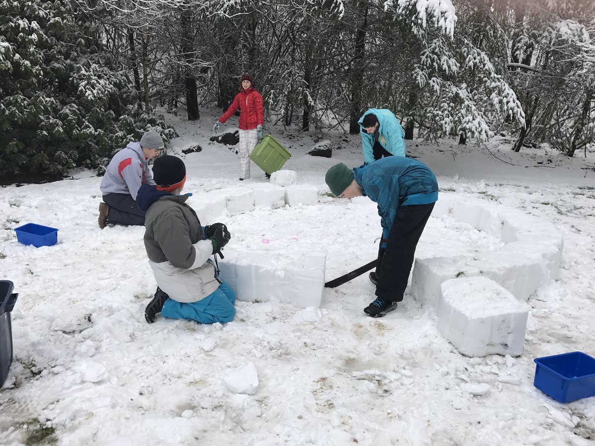 So we built an igloo last night... #kgwweather <br>http://pic.twitter.com/mh5LVmEOsK