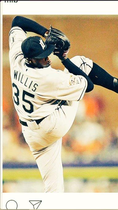Happy birthday Dontrelle Willis!