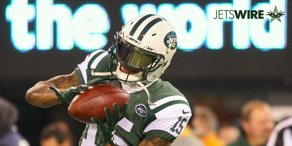 #Jets&#39; @BMarshall has some fun with #Giants' receivers following their loss in #NYGvsGB. #JetUp    MORE:  http:// jetswire.usatoday.com/2017/01/12/jet s-brandon-marshall-has-some-fun-with-giants-receivers/ &nbsp; … <br>http://pic.twitter.com/zGPNJOnD2Q